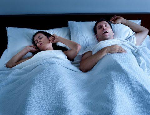 Schnarchen - Risiko einer Schlafapnoe
