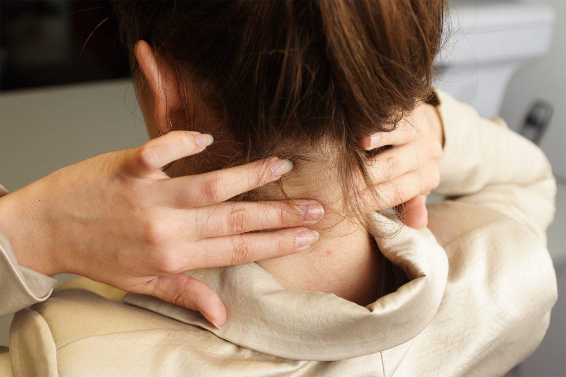 Schlafapnoe verursacht Nackenschmerzen