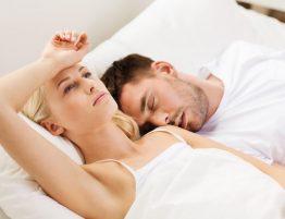Durchschlafstörungen - Frau Kann nicht schlafen