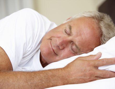 Gut Schlafen, Mann im Bett
